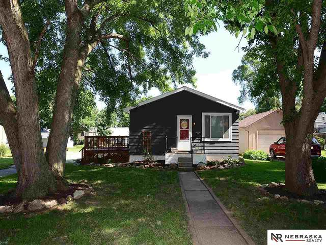 6776 Evans Street, Omaha, NE 68104 (MLS #22017199) :: Capital City Realty Group