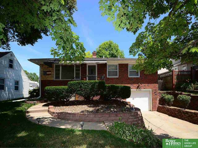 2123 S 49th Street, Omaha, NE 68105 (MLS #22017203) :: The Homefront Team at Nebraska Realty