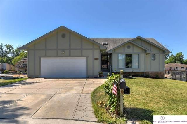 8507 Oahu Circle, Papillion, NE 68046 (MLS #22017249) :: One80 Group/Berkshire Hathaway HomeServices Ambassador Real Estate