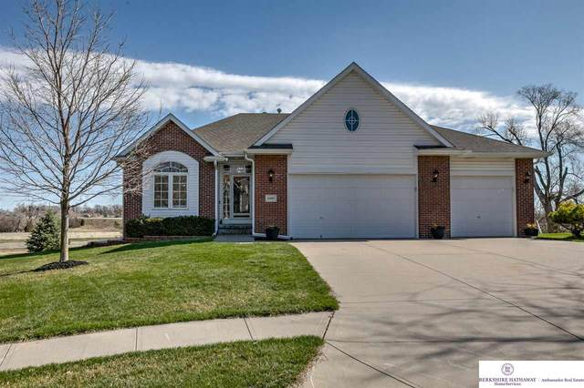 13305 Lochmoor Circle, Bellevue, NE 68123 (MLS #22017305) :: The Homefront Team at Nebraska Realty