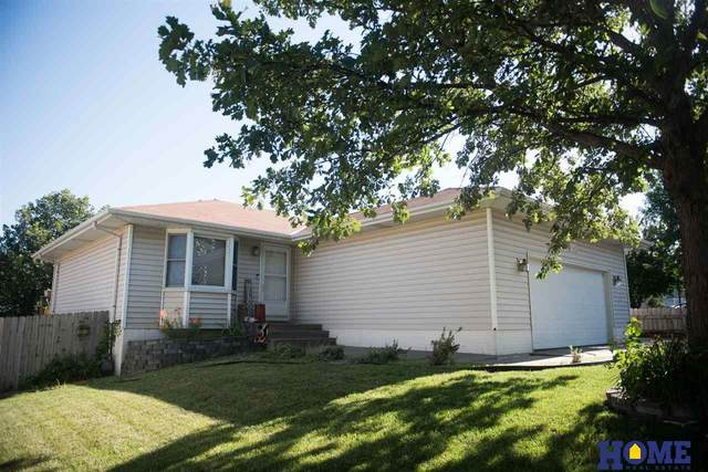 2841 Homeland Place, Lincoln, NE 68521 (MLS #22017353) :: One80 Group/Berkshire Hathaway HomeServices Ambassador Real Estate