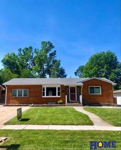 8001 Hickory Lane, Lincoln, NE 68510 (MLS #22017360) :: One80 Group/Berkshire Hathaway HomeServices Ambassador Real Estate