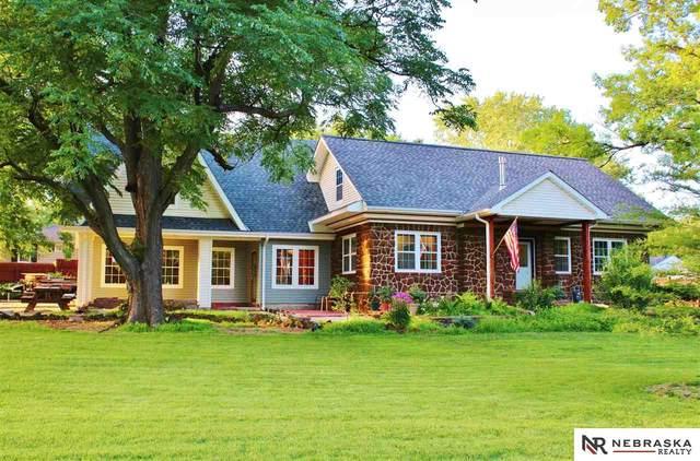 5020 South Street, Lincoln, NE 68506 (MLS #22017380) :: Stuart & Associates Real Estate Group
