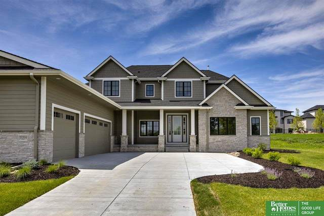 21314 B Street, Elkhorn, NE 68022 (MLS #22017386) :: kwELITE