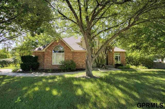 649 N 164 Street, Omaha, NE 68118 (MLS #22017389) :: Omaha Real Estate Group