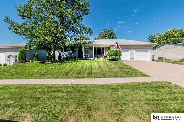 605 David Lane, Eagle, NE 68347 (MLS #22017404) :: The Briley Team