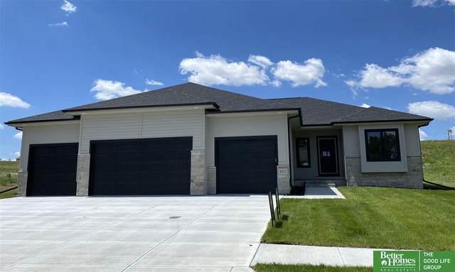 8212 N 167th Street, Bennington, NE 68007 (MLS #22017448) :: One80 Group/Berkshire Hathaway HomeServices Ambassador Real Estate