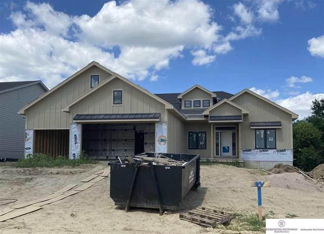 21814 H Street, Elkhorn, NE 68022 (MLS #22017647) :: Omaha Real Estate Group