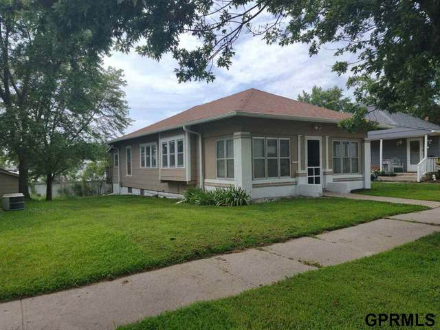 1215 F Street, Fairbury, NE 68352 (MLS #22017777) :: One80 Group/Berkshire Hathaway HomeServices Ambassador Real Estate