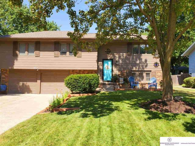 6712 S 139 Street, Omaha, NE 68137 (MLS #22018124) :: One80 Group/Berkshire Hathaway HomeServices Ambassador Real Estate