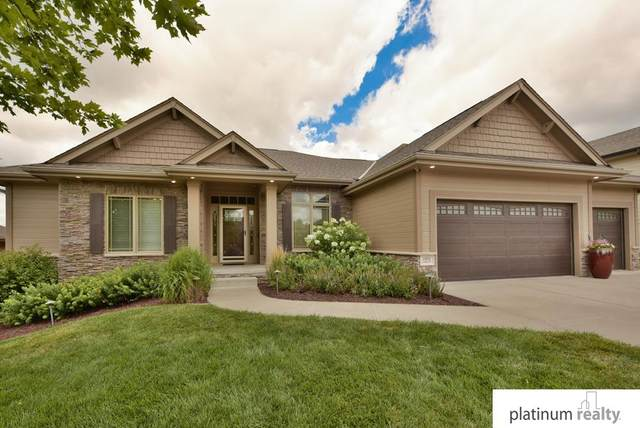 19008 Cuming Circle, Elkhorn, NE 68022 (MLS #22018170) :: One80 Group/Berkshire Hathaway HomeServices Ambassador Real Estate
