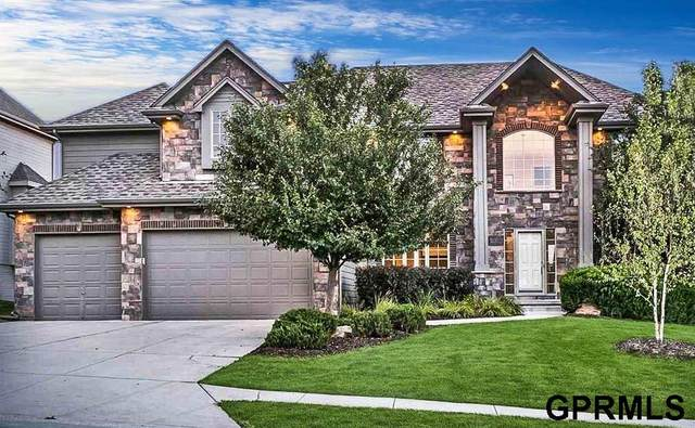 19258 Woolworth Avenue, Omaha, NE 68130 (MLS #22018301) :: Omaha Real Estate Group