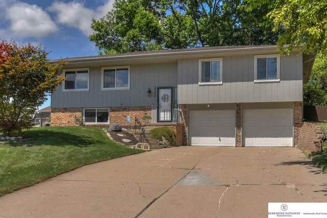 15237 Lincoln Circle, Omaha, NE 68154 (MLS #22018380) :: Omaha Real Estate Group