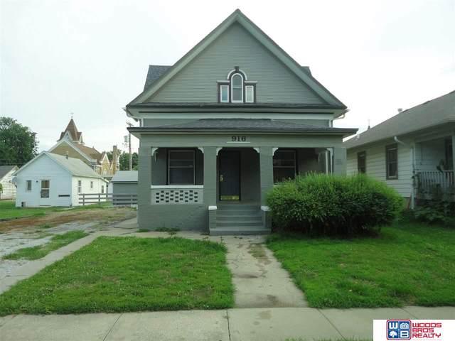 916 Y Street, Lincoln, NE 68508 (MLS #22018401) :: kwELITE