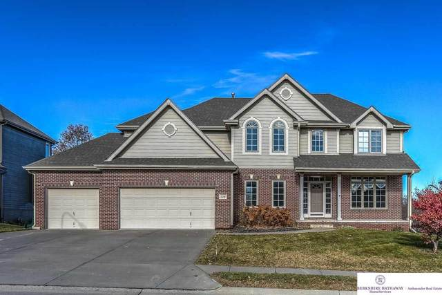 5206 Lake Forest Drive, Papillion, NE 68133 (MLS #22018578) :: Omaha Real Estate Group