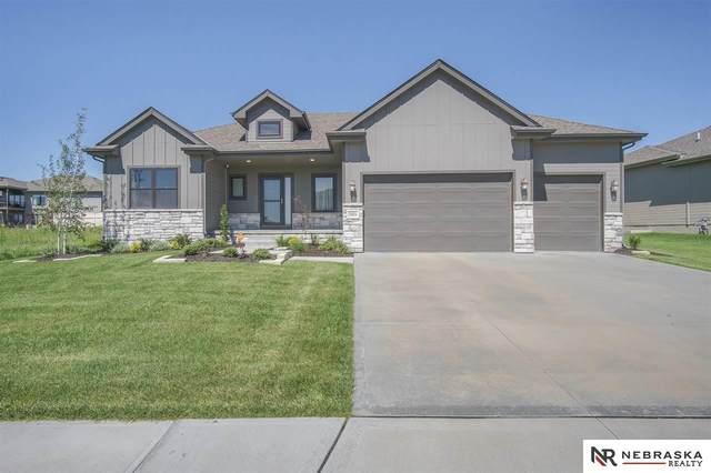 18804 Merion Drive, Omaha, NE 68136 (MLS #22018641) :: kwELITE