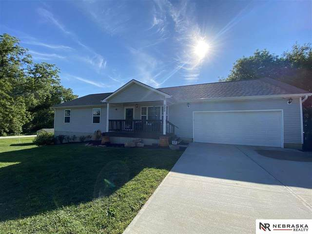 225 E Street, Palmyra, NE 68418 (MLS #22018686) :: Omaha Real Estate Group