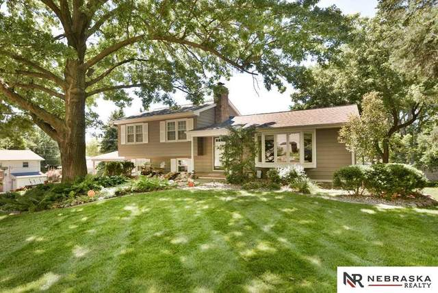 3410 S 107th Avenue, Omaha, NE 68124 (MLS #22018737) :: Omaha Real Estate Group