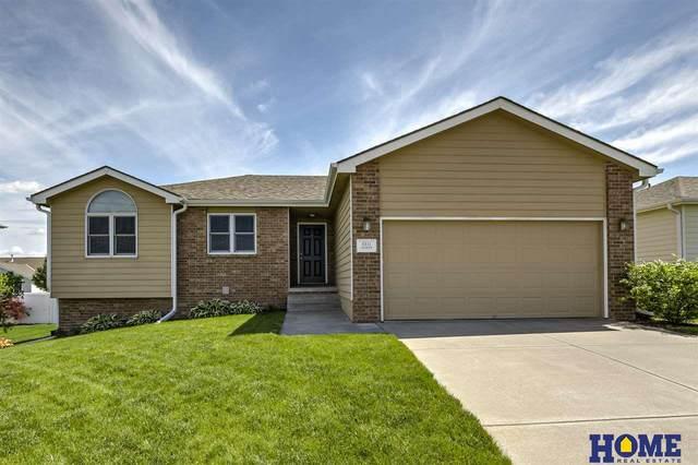8811 Leighton Avenue, Lincoln, NE 68507 (MLS #22018752) :: Omaha Real Estate Group