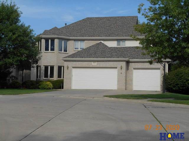 8000 Eastwood Court, Lincoln, NE 68506 (MLS #22018784) :: kwELITE