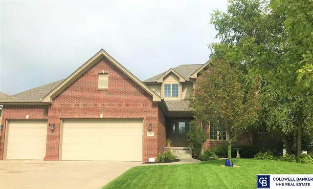 5858 S 97th Street, Lincoln, NE 68526 (MLS #22018864) :: One80 Group/Berkshire Hathaway HomeServices Ambassador Real Estate