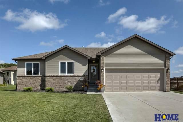 104 Scotts Creek Place, Hickman, NE 68372 (MLS #22018989) :: Dodge County Realty Group