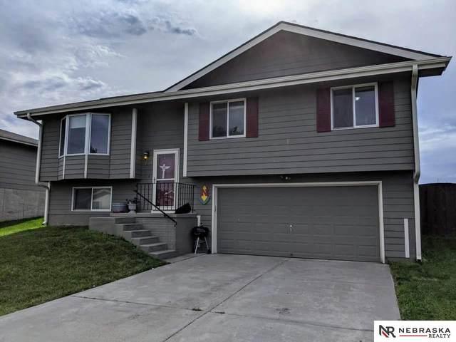 2101 58Th Street, Lincoln, NE 68528 (MLS #22019002) :: One80 Group/Berkshire Hathaway HomeServices Ambassador Real Estate