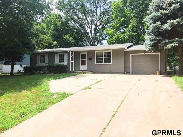 3118 Cottonwood Lane, Omaha, NE 68134 (MLS #22019003) :: Capital City Realty Group