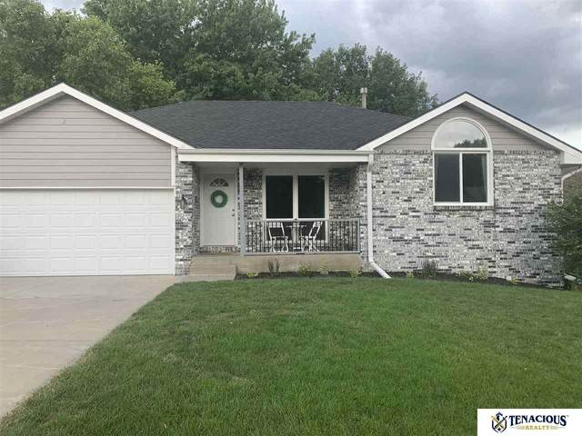6925 S 52 Street, Lincoln, NE 68516 (MLS #22019100) :: Dodge County Realty Group