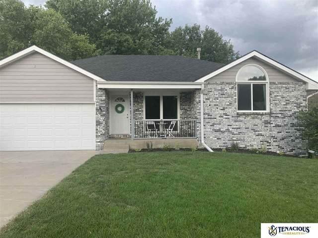 6925 S 52 Street, Lincoln, NE 68516 (MLS #22019100) :: One80 Group/Berkshire Hathaway HomeServices Ambassador Real Estate