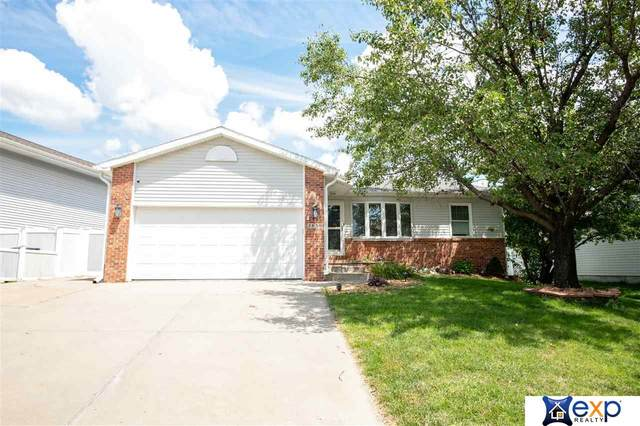 2830 NW 9th Street Street, Lincoln, NE 68521 (MLS #22019110) :: One80 Group/Berkshire Hathaway HomeServices Ambassador Real Estate
