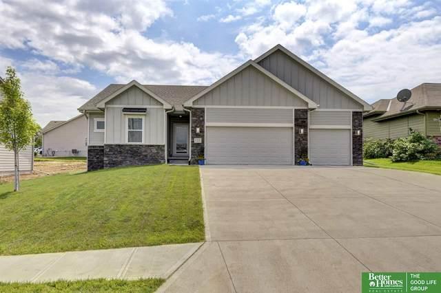 15157 Kansas Avenue, Omaha, NE 68116 (MLS #22019130) :: Capital City Realty Group
