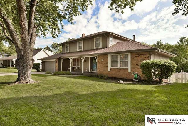1335 S 133 Street, Omaha, NE 68144 (MLS #22019152) :: kwELITE