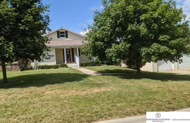 210 W Cedar Street, Cedar Bluffs, NE 68015 (MLS #22019157) :: Omaha Real Estate Group