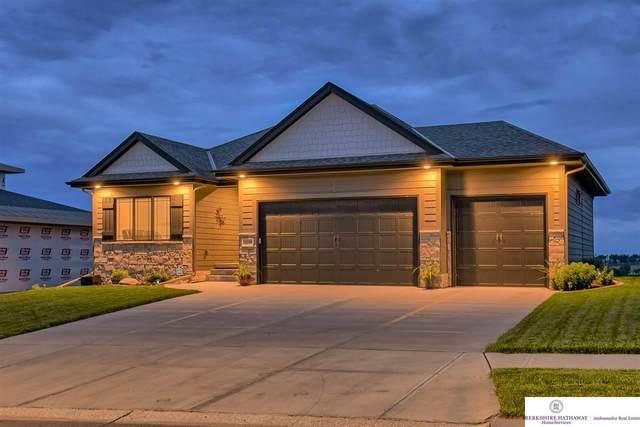 19109 Hampton Drive, Omaha, NE 68136 (MLS #22019248) :: Omaha Real Estate Group