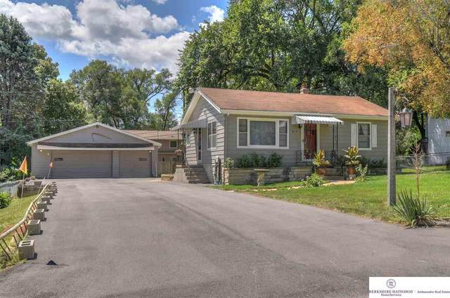 8805 Seward Street, Omaha, NE 68144 (MLS #22019256) :: Cindy Andrew Group