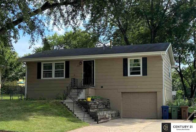 2815 Lloyd Street, Bellevue, NE 68005 (MLS #22019308) :: Lincoln Select Real Estate Group