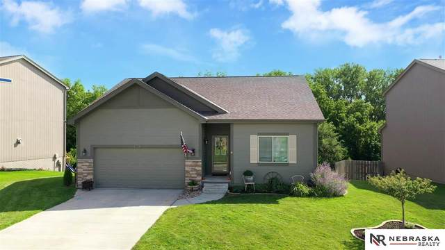 8111 S 190 Avenue, Omaha, NE 68135 (MLS #22019314) :: Lincoln Select Real Estate Group