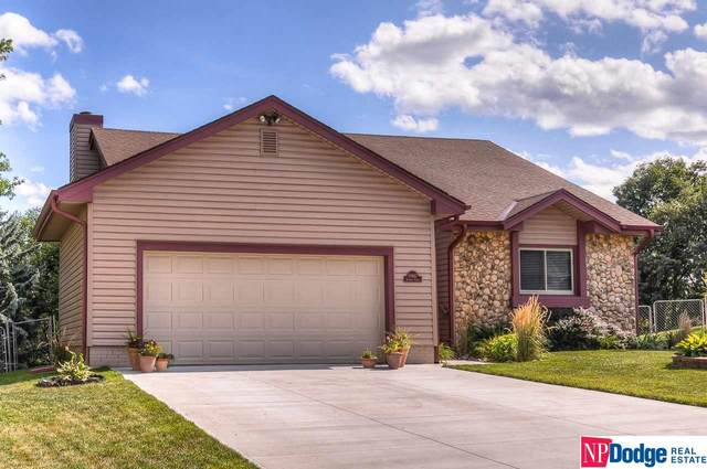 13617 Redwood Circle, Omaha, NE 68138 (MLS #22019363) :: Omaha Real Estate Group