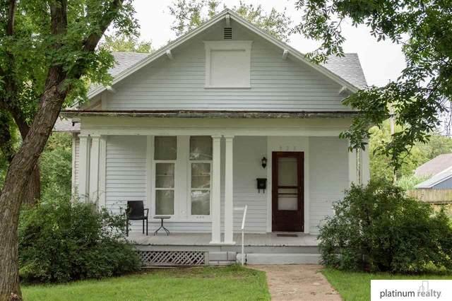 923 D Street, Fairbury, NE 68352 (MLS #22019404) :: The Homefront Team at Nebraska Realty