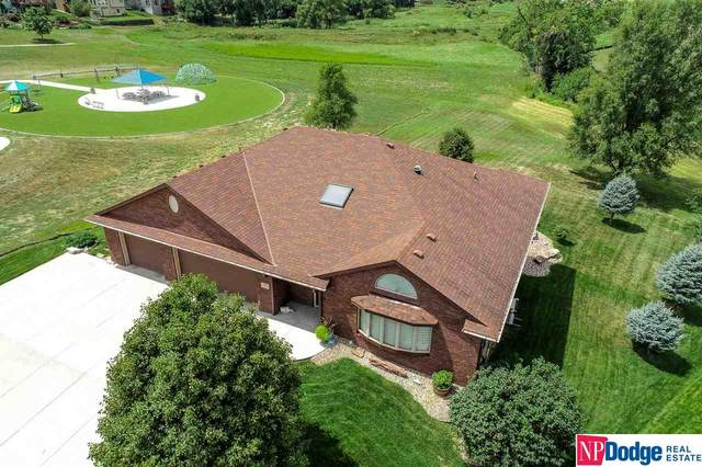 802 Fall Creek Road, Papillion, NE 68133 (MLS #22019421) :: Dodge County Realty Group