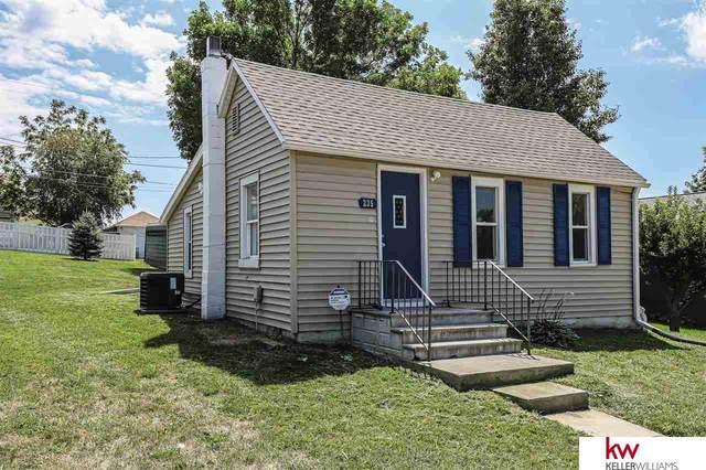 235 Cedar Street, Springfield, NE 68059 (MLS #22019437) :: Omaha Real Estate Group