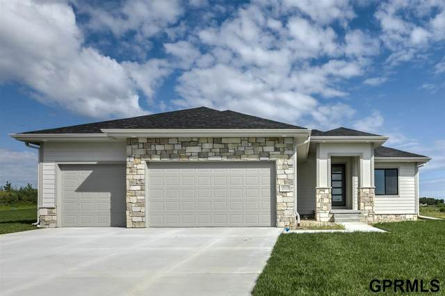 18510 Wirt Circle, Elkhorn, NE 68022 (MLS #22019481) :: The Homefront Team at Nebraska Realty