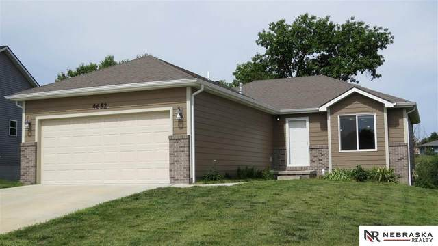 4652 W Mary Louise Lane, Lincoln, NE 68528 (MLS #22019530) :: Capital City Realty Group