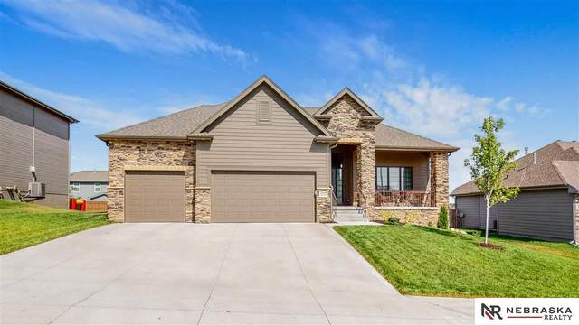 11713 S 110th Street, Papillion, NE 68046 (MLS #22019548) :: Dodge County Realty Group