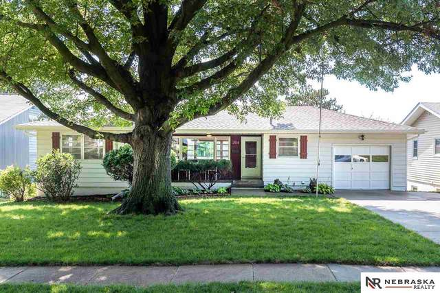 2514 S 49th Street, Omaha, NE 68106 (MLS #22019591) :: Omaha Real Estate Group
