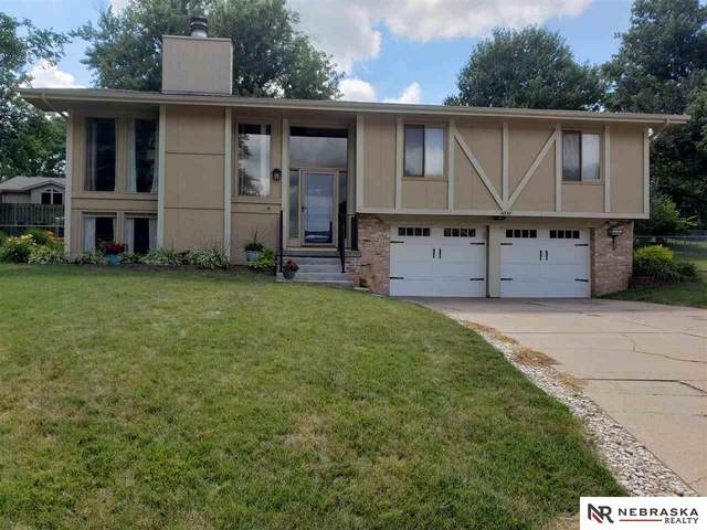 14737 Adams Circle, Omaha, NE 68137 (MLS #22019612) :: Omaha Real Estate Group