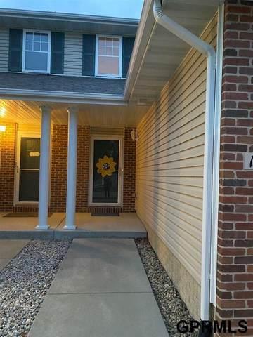 17612 Parker Plaza, Omaha, NE 68118 (MLS #22019682) :: Omaha Real Estate Group