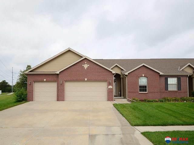 7619 Kentwell Lane, Lincoln, NE 68516 (MLS #22019759) :: Dodge County Realty Group