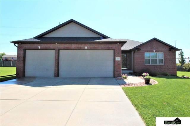 2555 Alana Lane, Lincoln, NE 68512 (MLS #22019788) :: Dodge County Realty Group